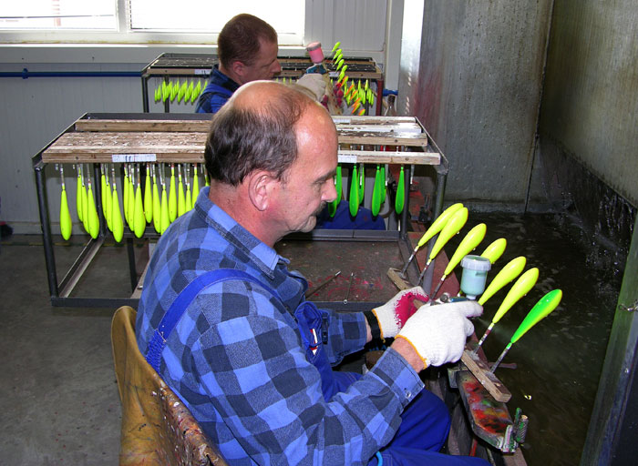 Salmo by fox interview with piotr piskorski for Airbrushing fishing lures
